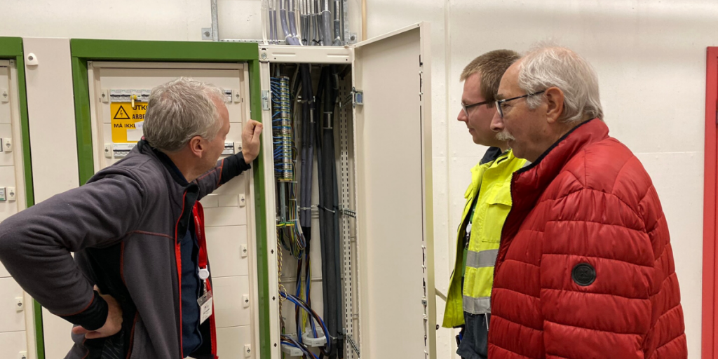 Electrician Exam - Showing Data Centre Skills